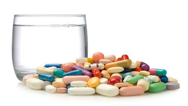 Uống nhiều thuốc tây gây tác dụng phụ không lường được