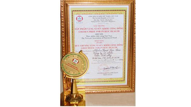 Huy chương vàng vì sức khỏe cộng đồng