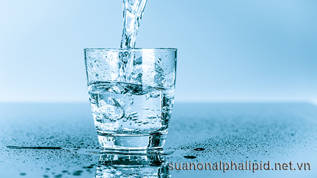Nước tuy không phải là một vitamin thiết yếu nhưng nó rất quan trọng với sức khỏe
