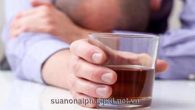 Nếu uống hơn 7 ly/tuần là những người có khả năng bị trào ngược