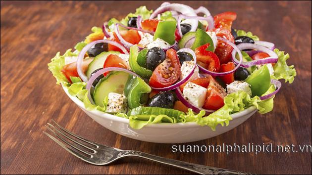 Ăn ít nhất 1 phần rau củ quả mỗi ngày chúng cung cấp chất xơ, carbohydrate phức tạp cần thiết cho cơ thể, và chất xơ là cần thiết tránh táo bón và bệnh ung thư đại tràng