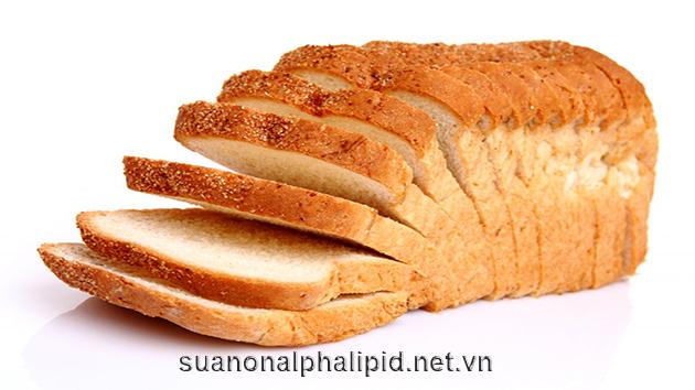 bánh mì được chế biến qua và chứa nhiều carbohydrate