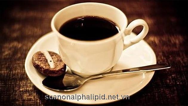 TránhCaffein có trong cà phê, trà và nước giải khát