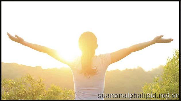 tia nang sang cung cap nguon vitamin D de hap thu canxi tot nhat